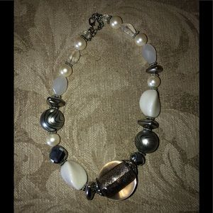 Silver/white chunky necklace